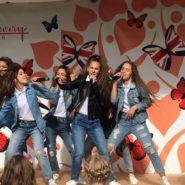 «Ревю» выступили на Дне защиты детей в английском стиле
