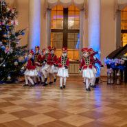 На телеканале ОНТ вышел сюжет о Рождественском бале
